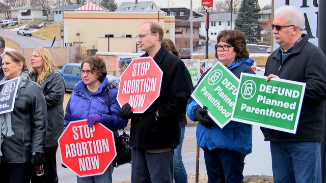Pro And Anti Planned-Parenthood Protests Planned For Saturday