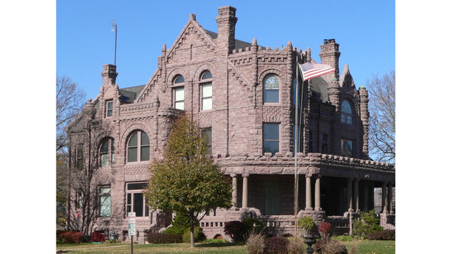 Peirce Mansion hosts Holiday Open House